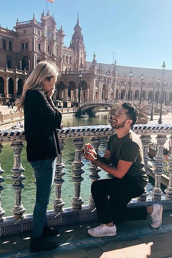 unique proposal ideas couple propose city romantic