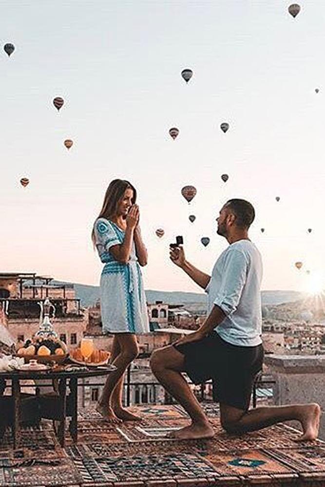 unique proposal ideas man propose woman dinner vacation