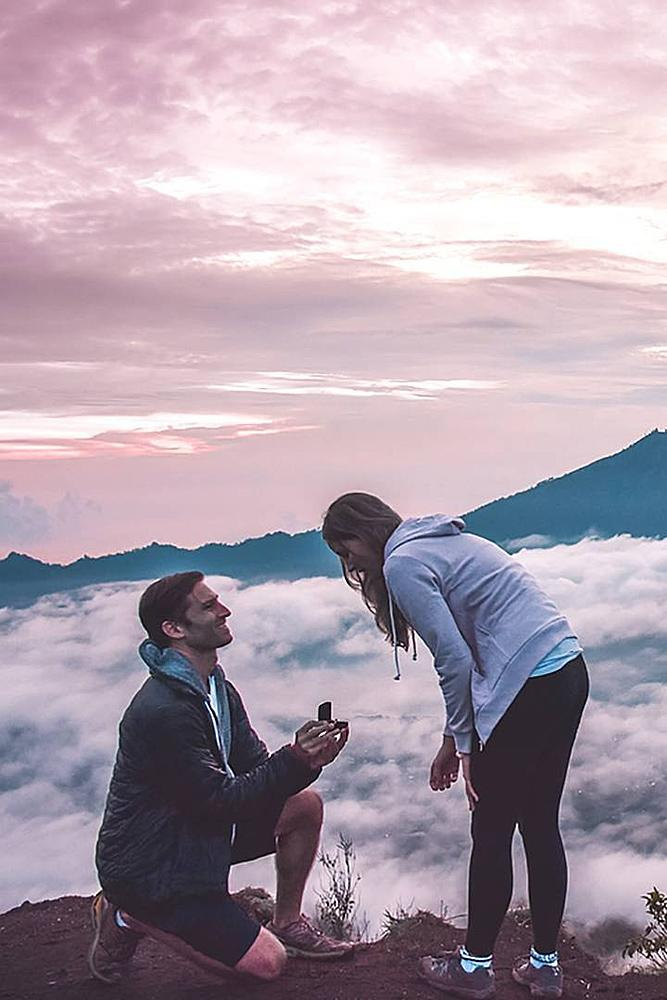unique proposal ideas man propose woman nature view beautiful