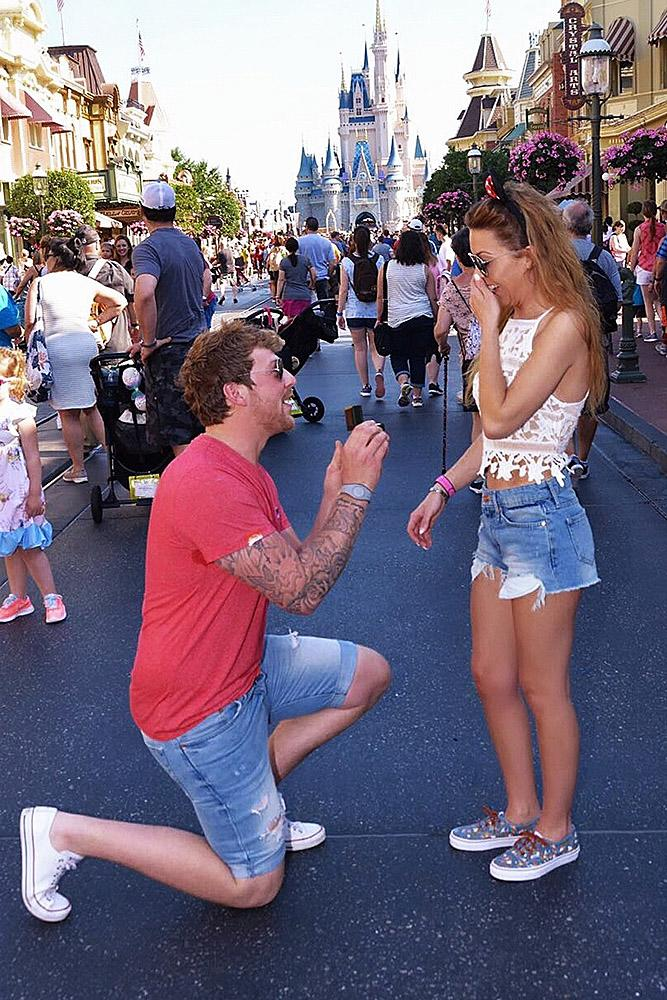 Disney proposal ideas man propose a woman castle