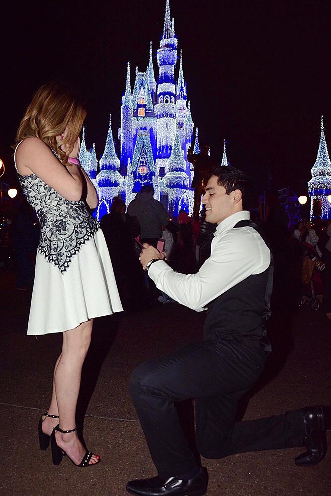 Disney proposal ideas man propose a woman