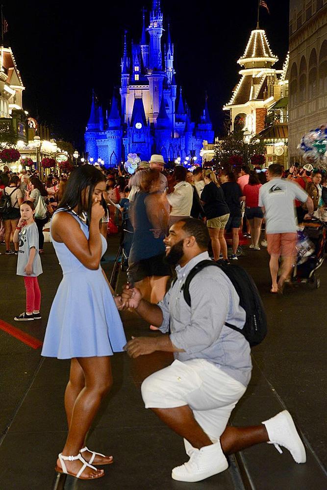 disney proposal ideas nighttime man propose a woman public