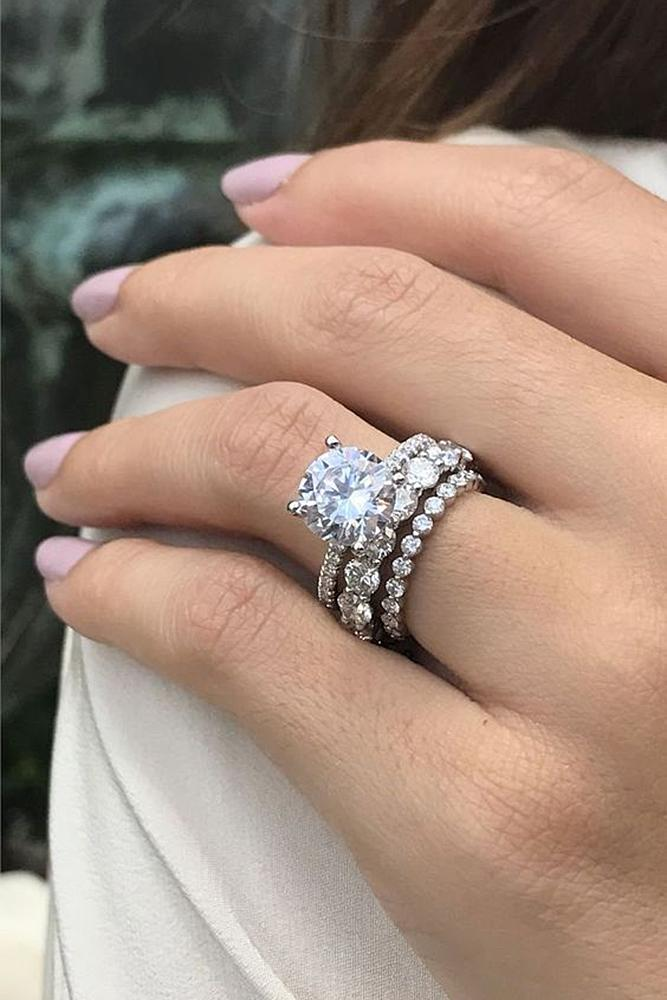 bridal sets ring white gold with one round cut diamond in pave band