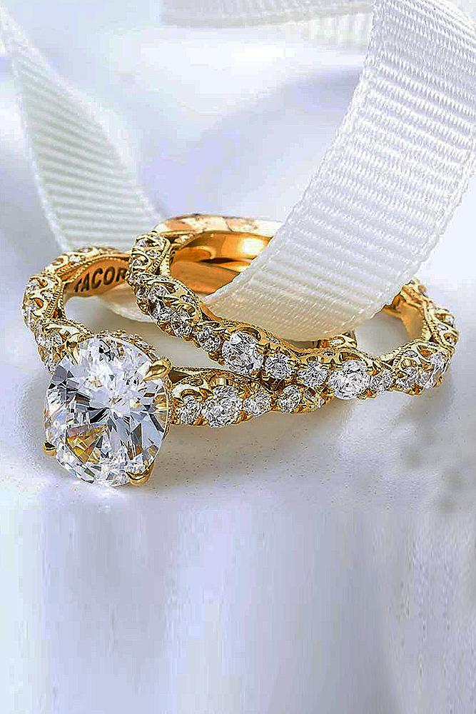 bridal sets yellow gold with round cut diamond in pave band brilliant