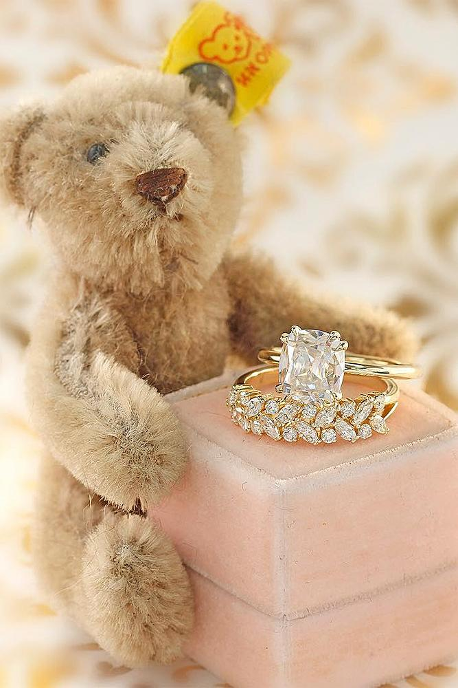 engagement photos teddy bear yellow gold rings wedding set diamonds