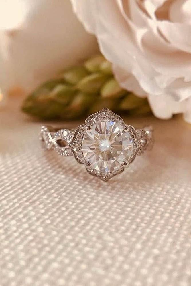 39 Best Vintage Engagement Rings For Romantic Look