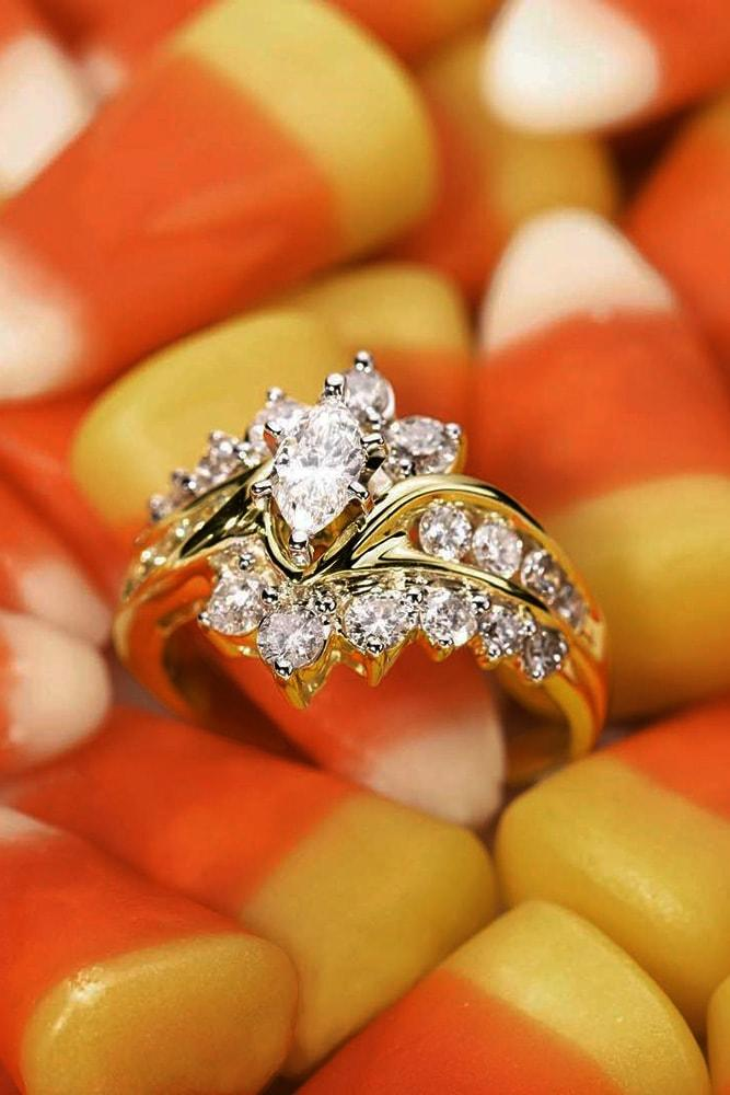 zales engagement rings yellow gold marquise cut diamond floral elements round cut diamonds unique design sparkling