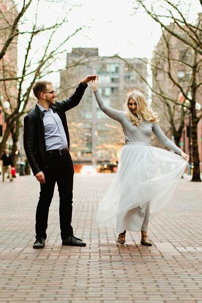 engagement photos fall photo ideas marriage proposal creative-engagement photo ideas romantic engagement photo