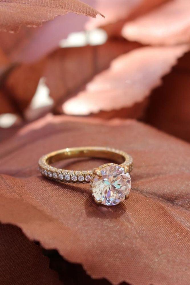 classic engagement rings classic engagement rings withround cut diamonds1