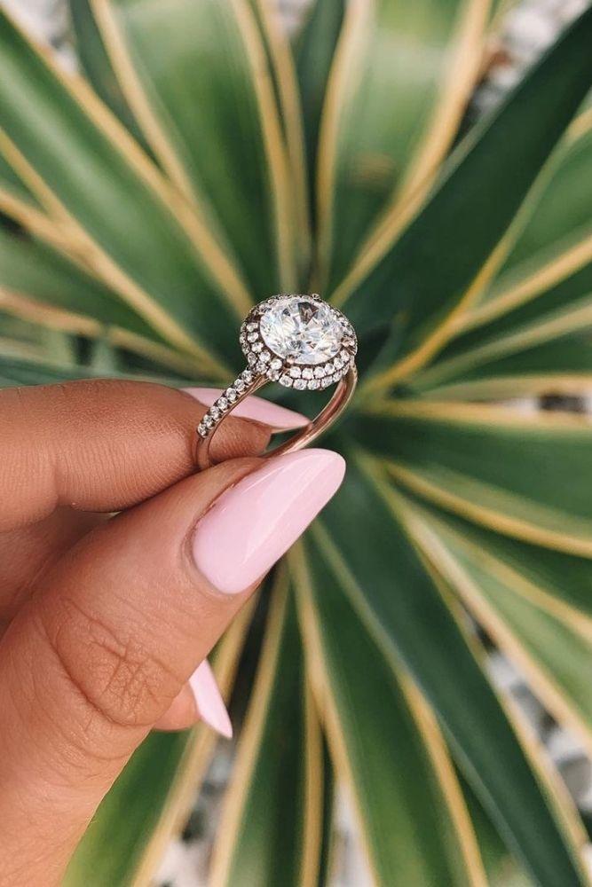 classic engagement rings classic engagement rings withround cut diamonds