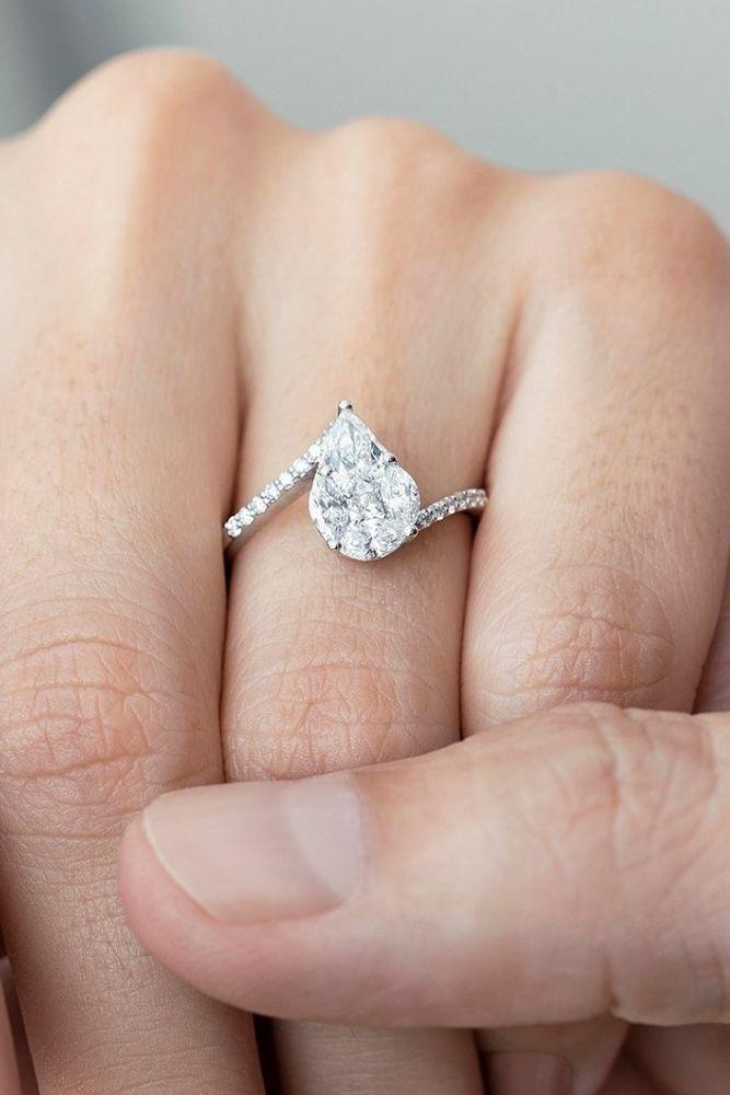 classic engagement rings with stunning details2