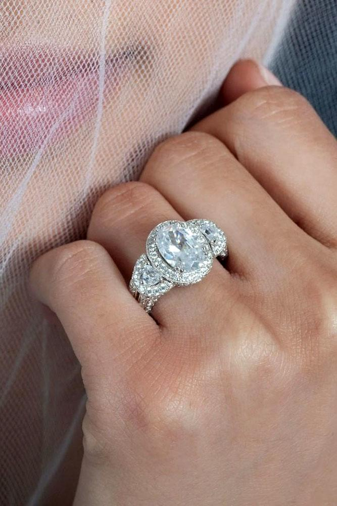 white gold engagement rings round cut engagement rings halo engagement rings diamond engagement rings