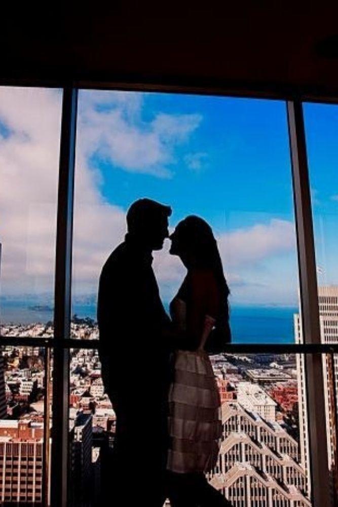 engagement photo ideas stylish engagemenet photos in urban locations2
