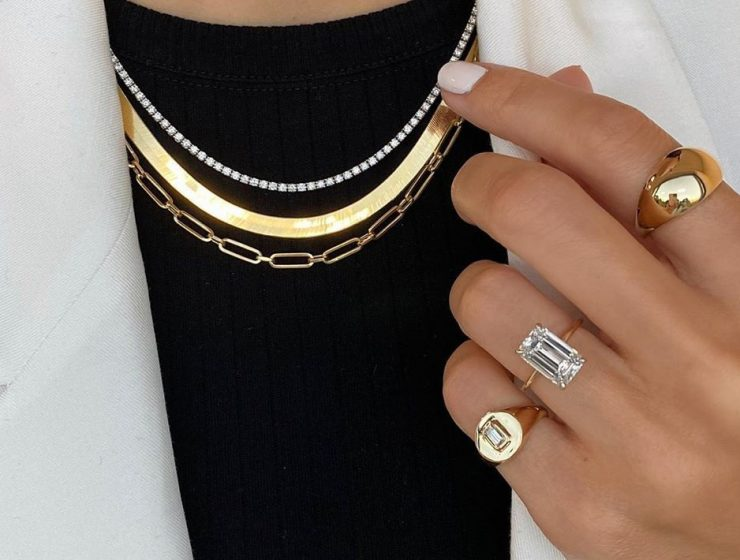 etiquette for wearing jewelry rings necklace featured