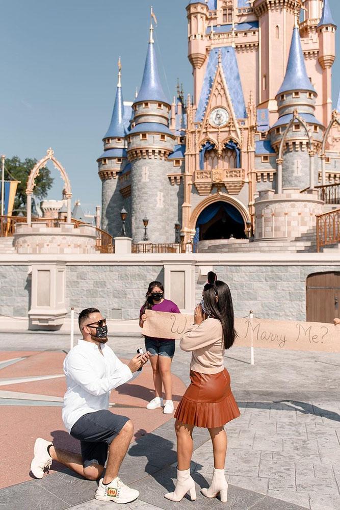 disney proposal ideas marriage proposal romantic proposals near disney castle