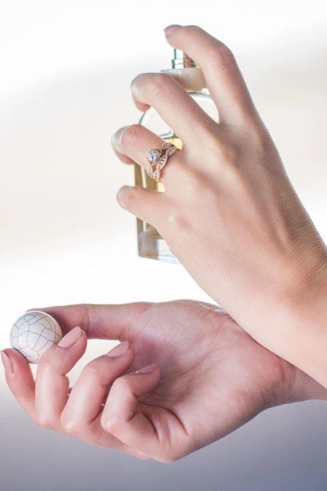 rose gold engagement rings kirk kara rings beautiful vintage details2