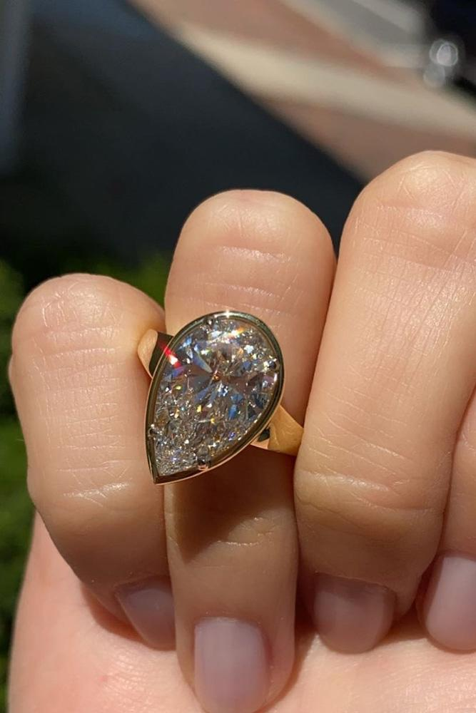pear shaped engagement rings yellow gold ring