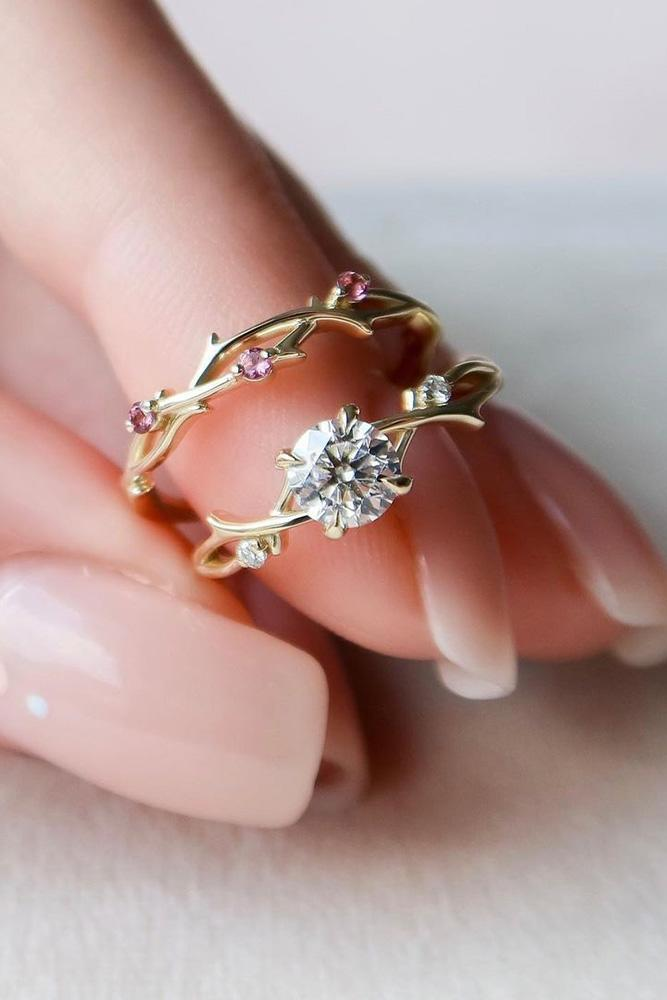 unique engagement rings round cut rings floral ring