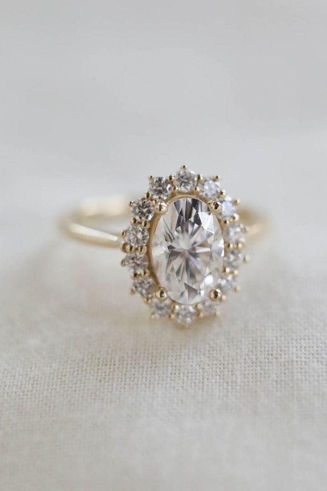 oval engagement rings halo engagement rings1