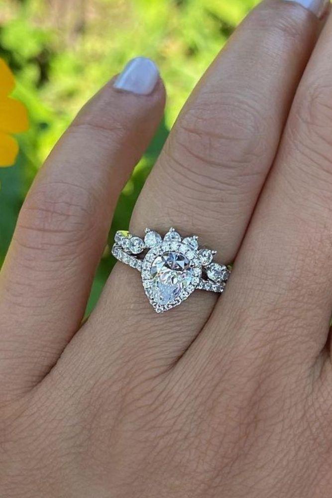 simple engagement rings pear shaped rings1