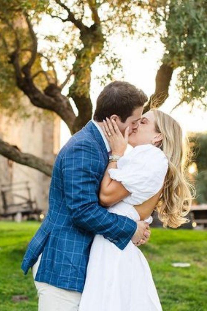 engagement photos romantic photo shoot