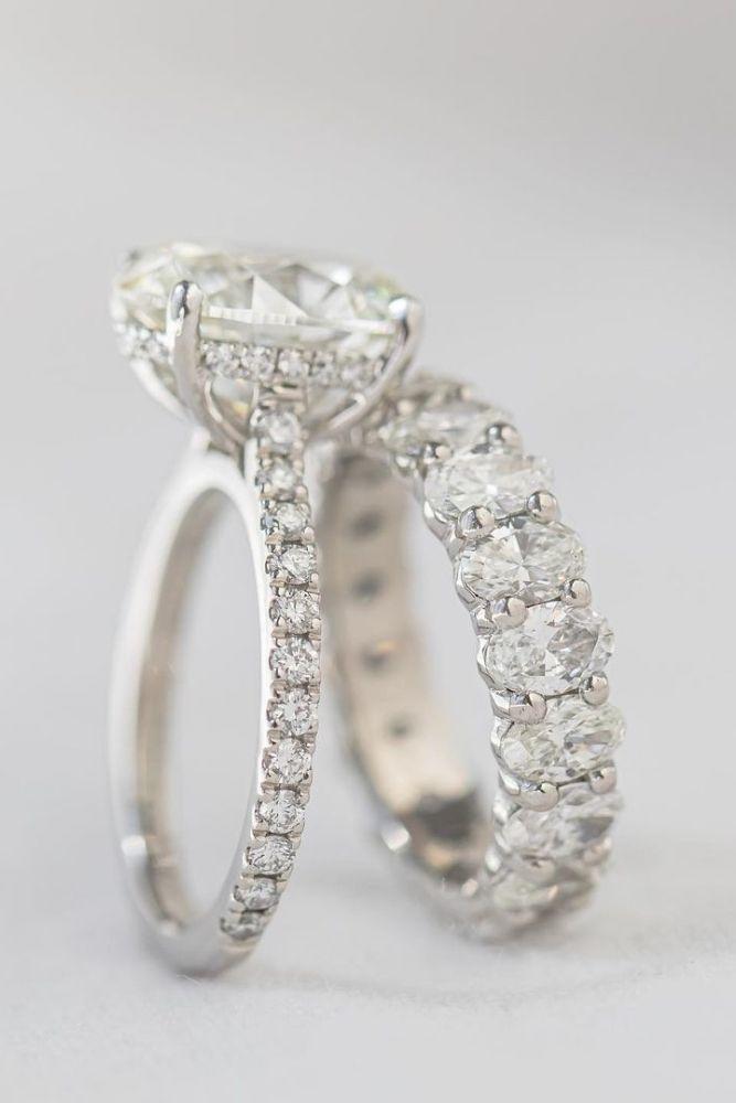 diamond wedding rings with round cut diamonds
