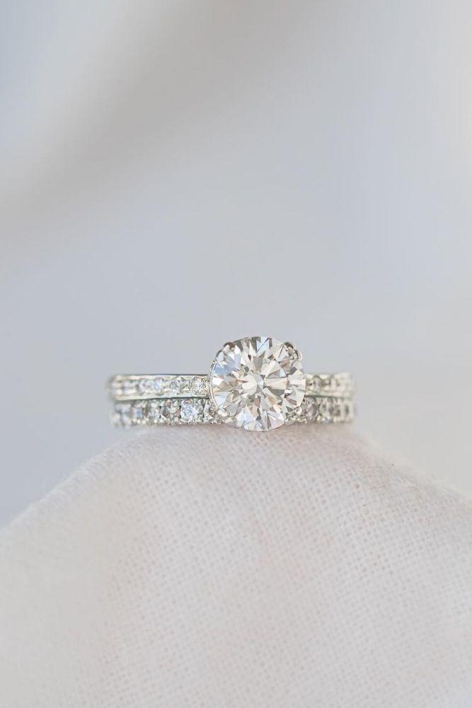 diamond wedding rings with round cut diamonds2